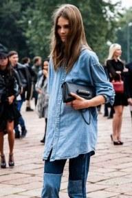 Chemise chipée au dressing masculin combiné à un jean à effet collage.