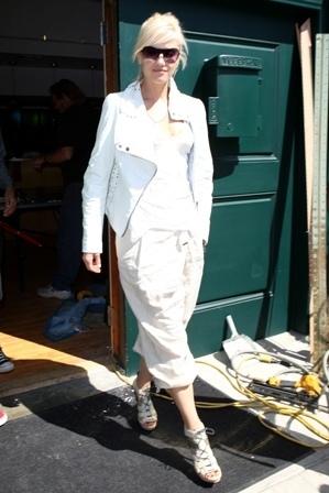 Toujours d'accord avec le choix du perfecto de cuir blanc!