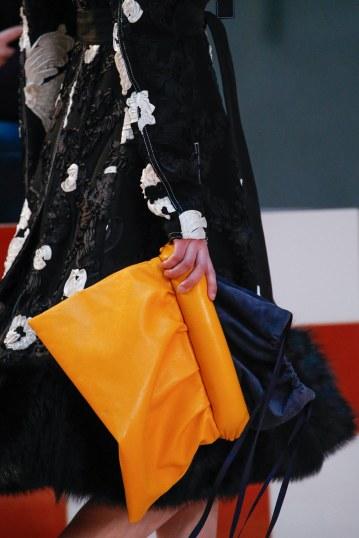 Tendance sacs à main de l'automne hiver 2015-16: La pochette de couleur vitaminé